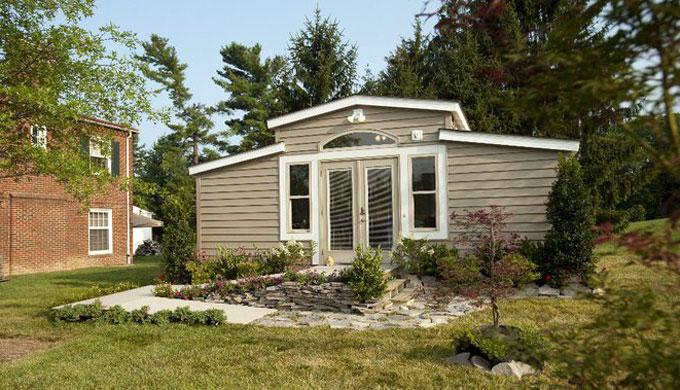 Granny pods let your grandma live in your backyard for Granny pod builders