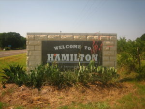 Hamilton,_Texas,_welcoming_sign_IMG_0772