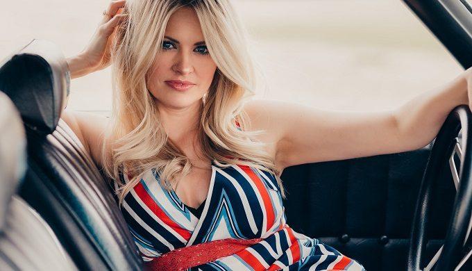 West Texas Singer-Songwriter Hannah Jackson Captures Life's Essence