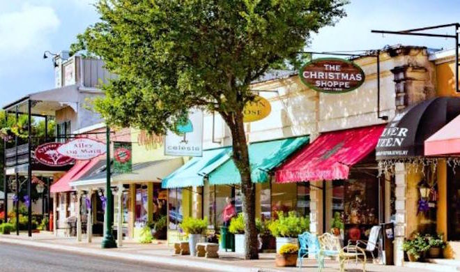 Shopping is a Breeze on Boerne's Hill Country Mile