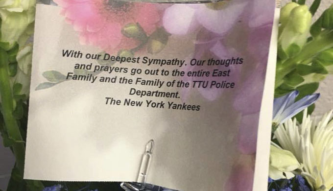 KCBD Shares Photo of Note from New York Yankees