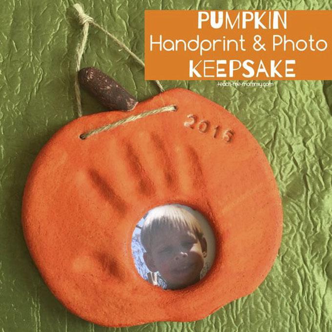 Pumpkin Handprint and Photo Keepsake from Teach Me Mommy