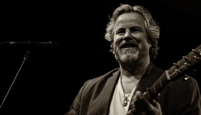 Robert Earl Keen on Shotguns & Guitars