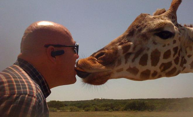 Scott O'Neill - Gimme a Kiss!
