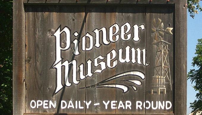 Sign for Pioneer Museum in Fredericksburg