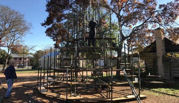 singing christmas tree under construction - Fredericksburg Tx Christmas