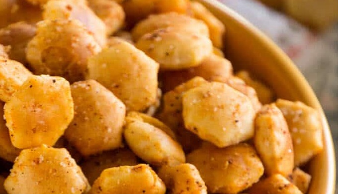Snack mix recipes Taco Oyster Crackers