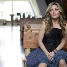 Sunny Sweeney: Thanksgiving in the Texas Hill Country