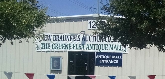 The Gruene Flea Antique Mall store front