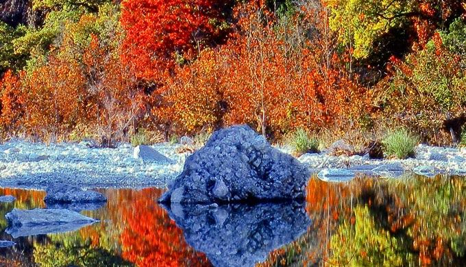 4 Fantastic Fall 'Color Tours' in the Texas Hill Country