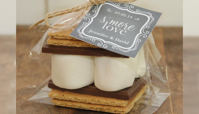 5 Wedding Favors Perfect For A Country Wedding