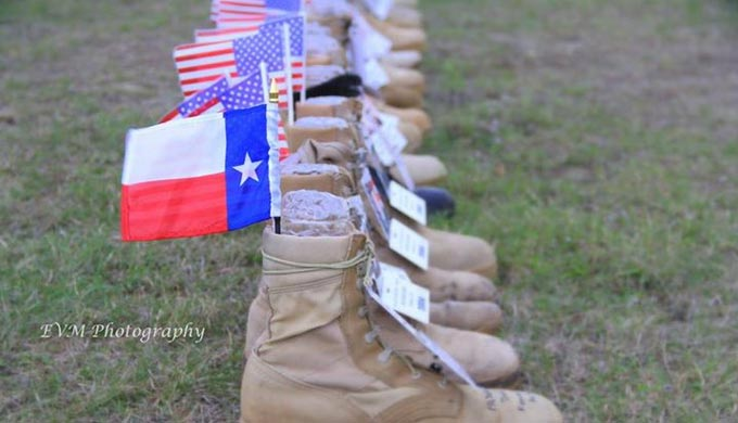 Texans Observe Veterans Day at Fort Hood