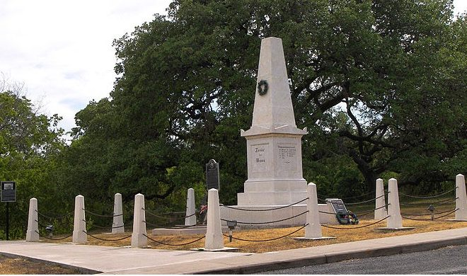 Treue der Union Monument in Comfort Texas to Those Killed in the Nueces Massacre in the Civil War