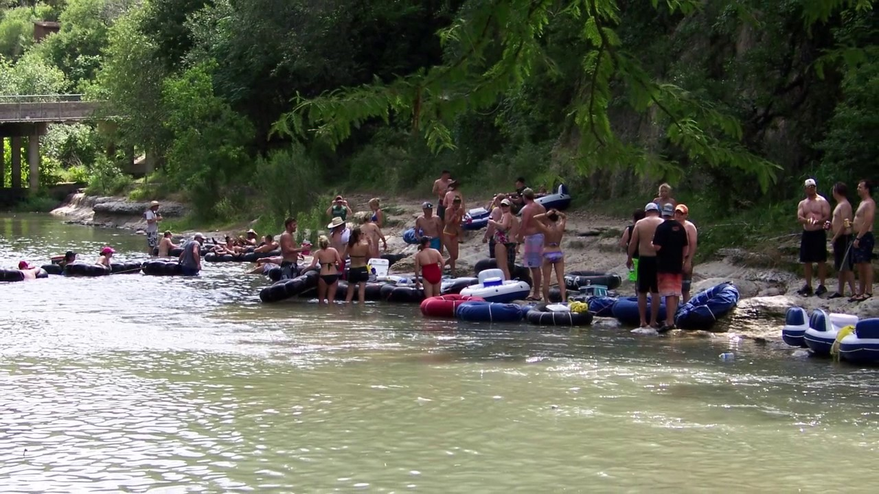 Tubing at the guadalupe river video texas hill country for Floating the guadalupe river cabins