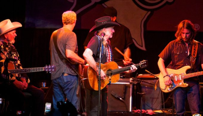 Willie Nelson to Play Nashville Venue: First Time in 43 Years