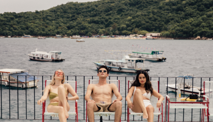 Dive Into Leisure and Old-School Glamour in Gorgeous Acapulco