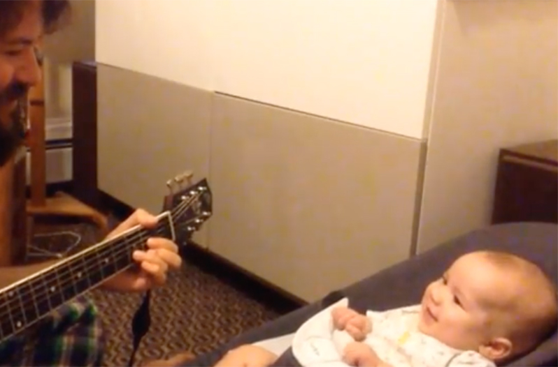 This Loving Dad Singing to His Baby Boy Will Melt Your Heart