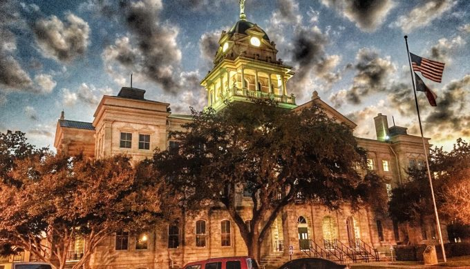 7 Texas Tips For Exploring Small Towns and Finding Hidden Gems