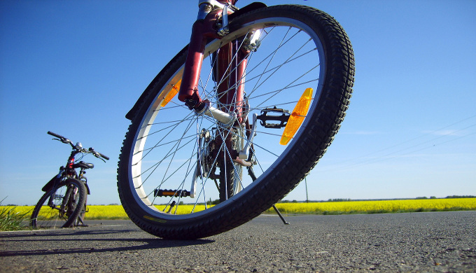 bicycle-point-of-view-1449386-1280x960