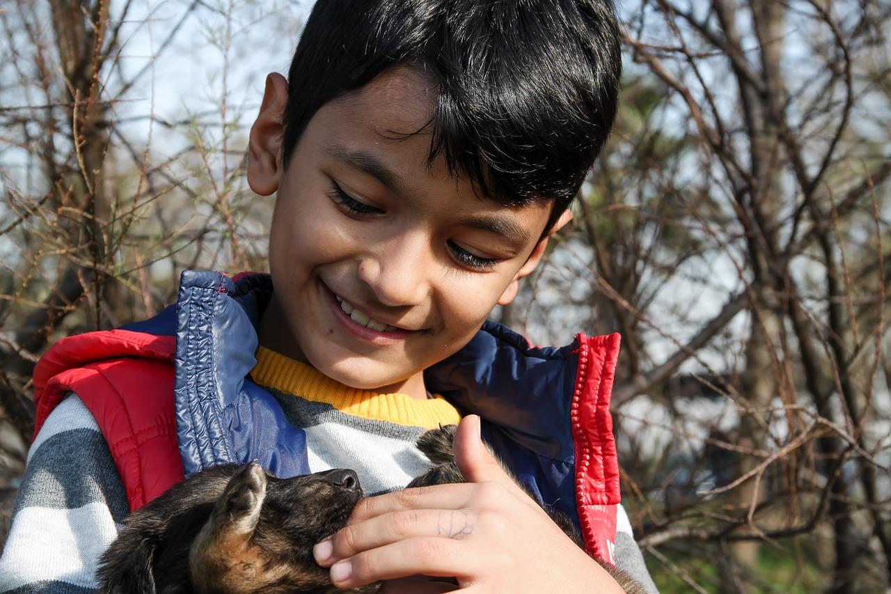 boy-and-dog-1876072_1280