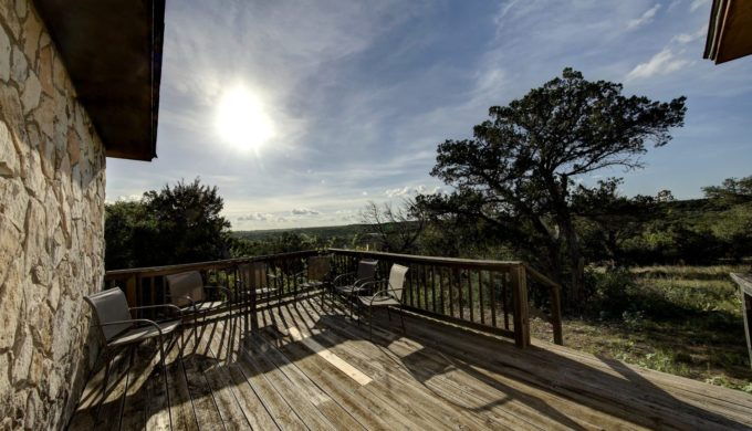 Luxury Lodging & Stunning Texas Beauty: Escape to Mo-Ranch