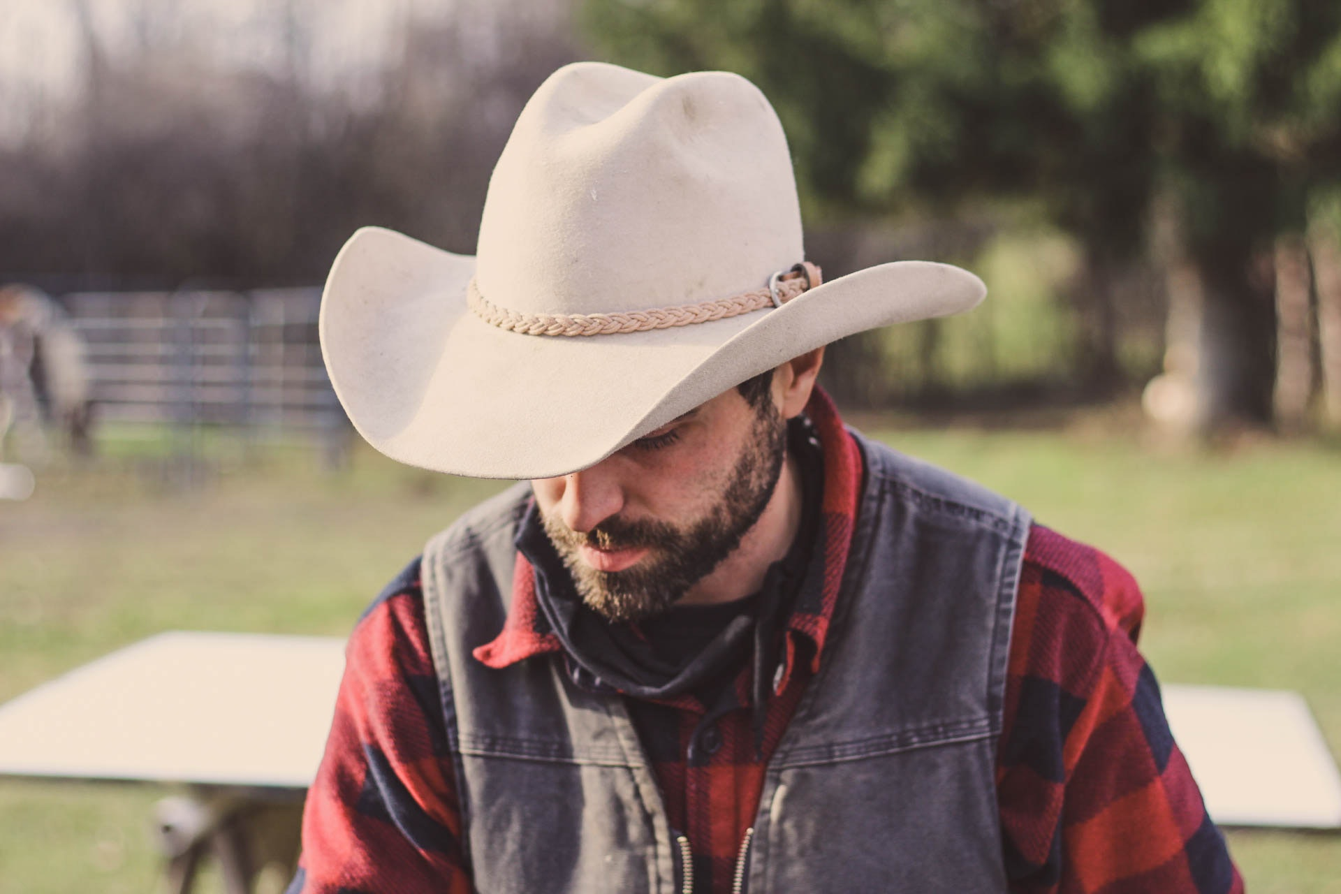 Donning A Cowboy Hat The Dos And Don Ts Of Stetson Etiquette