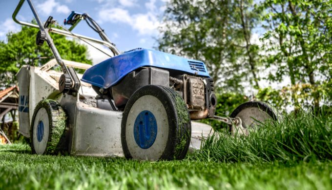 Harvey Victims' Lawnmowers are Bringing Neighbors Together in Friendswood