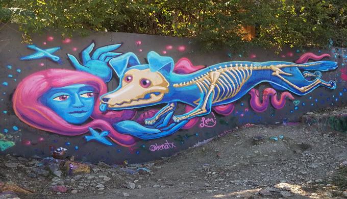 graffitti_park_woman_skeltondog