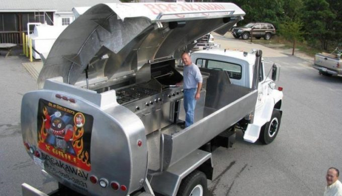 Extreme Makeover: Texas BBQ Smoker Edition!