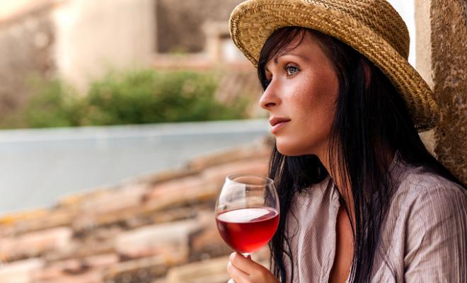 Vineyard Donates Wine & Encouragement to Frontline Workers