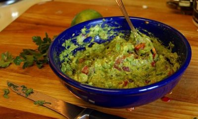 Mashed Says 'You've Been Making Guacamole The Wrong Way.' Well, Have You?
