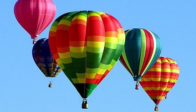 hot-air-balloons-439331_1280