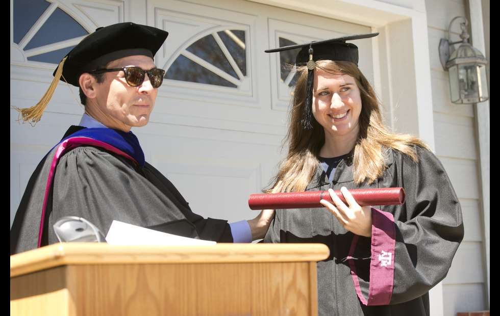 Texas A&M Fulfills Dying Father\'s Wish to See Daughter Graduate