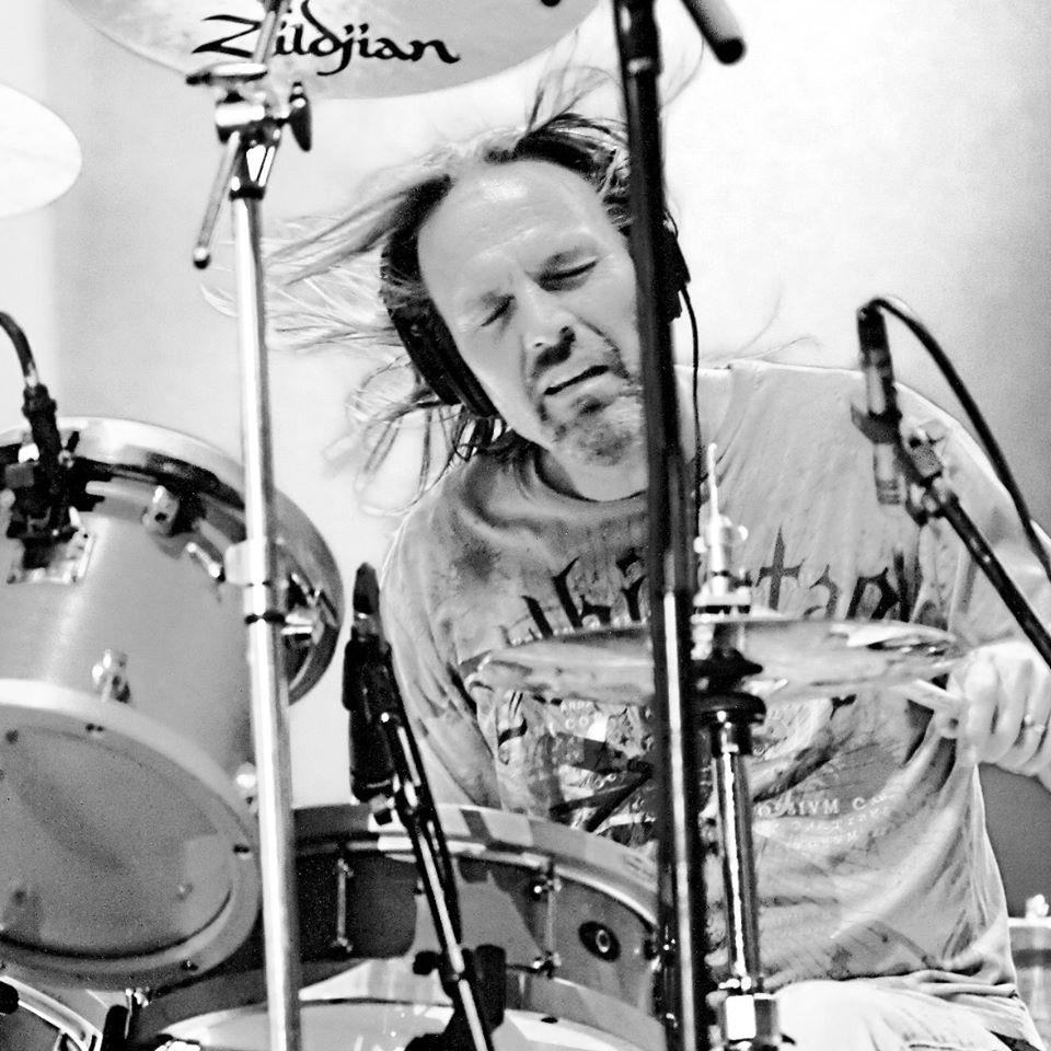 George Strait's Longtime Drummer Dies In Tragic Car Accident
