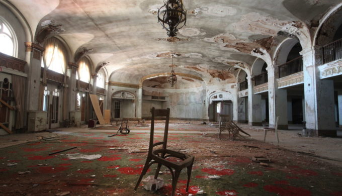The main lobby area of the old Baker Hotel in downtown Mineral Wells, Texas on Wednesday, September 25, 2013.  (Brad Loper/The Dallas Morning News) 10142013xNEWS