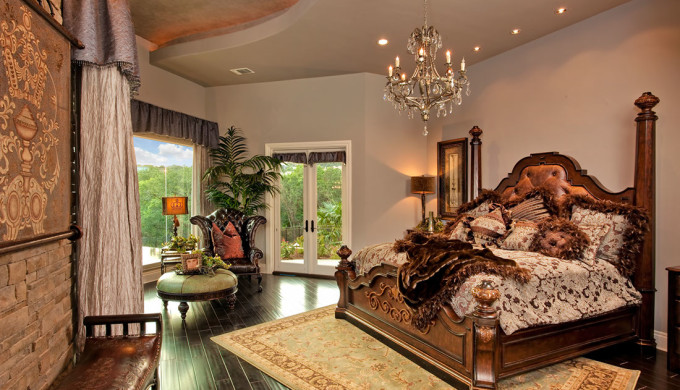 Western design decor in the texas hill country for Texas themed living room