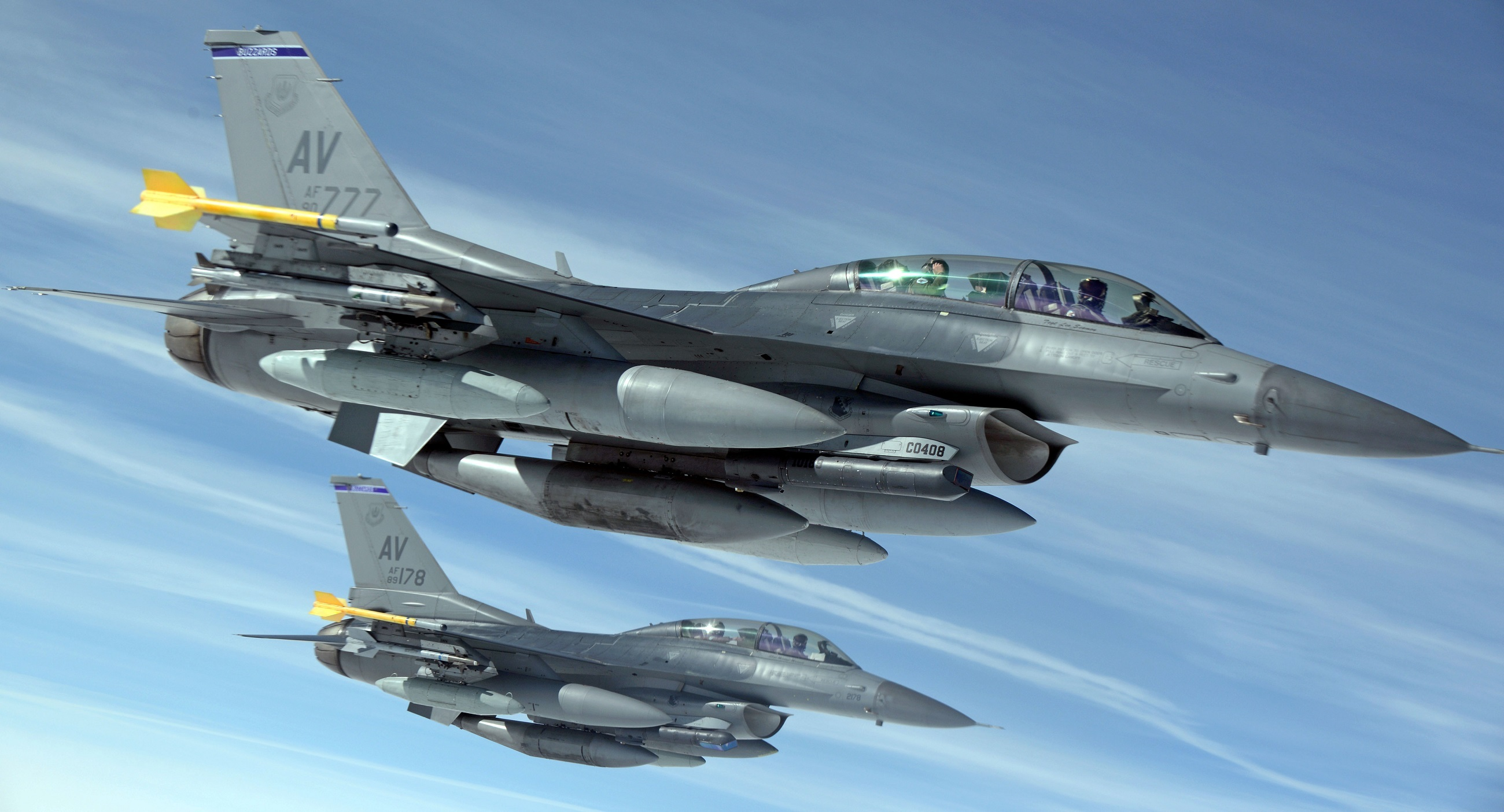 military-jets-1109093