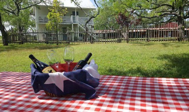 Full Moon Inn Bed and Breakfast Receives Best of Fredericksburg Award