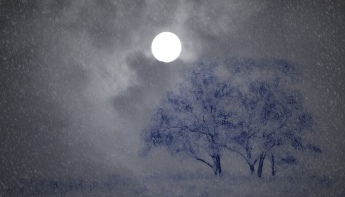Full Snow Moon, Lunar Eclipse, and Passing Comet Will Be Overhead on February 10