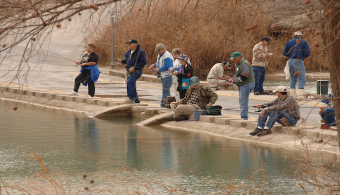 people_fishing_at_a_tpwd_trout_stocking