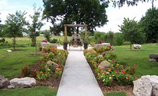 prayer-garden-sonora-texas