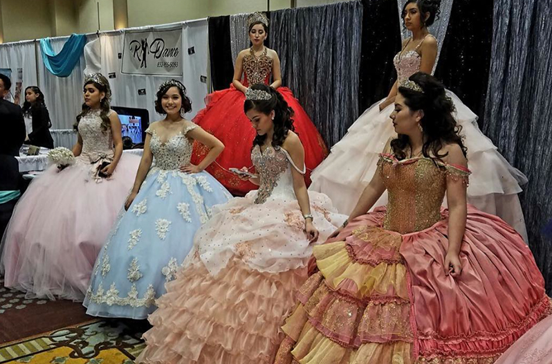 Auto Expo Houston >> Quince Expo Held in Houston for Quinceañera Inspiration