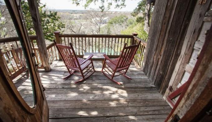 Gruene Mansion river lookout porch