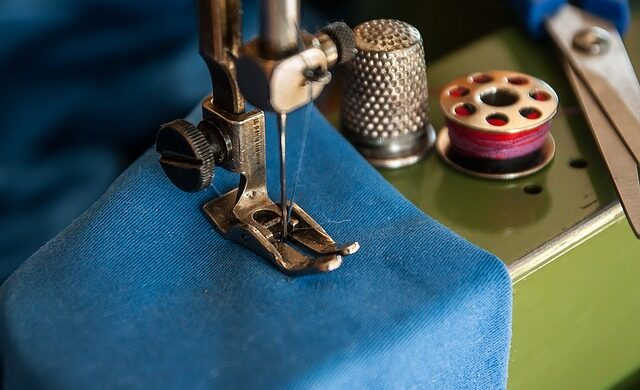 sewing-machine-1369658_640