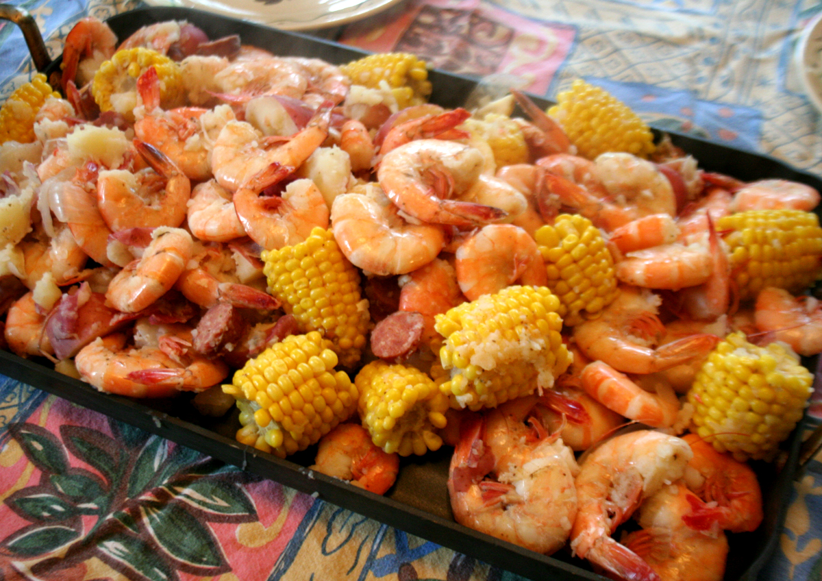 Farmer's Seafood Boil Brings Backyard Party to Life
