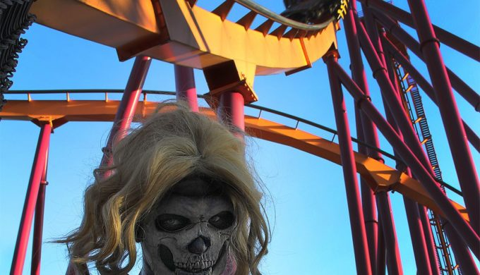 Six Flags Fiesta Texas Hiring Ghouls & Ghosts for Fright Fest