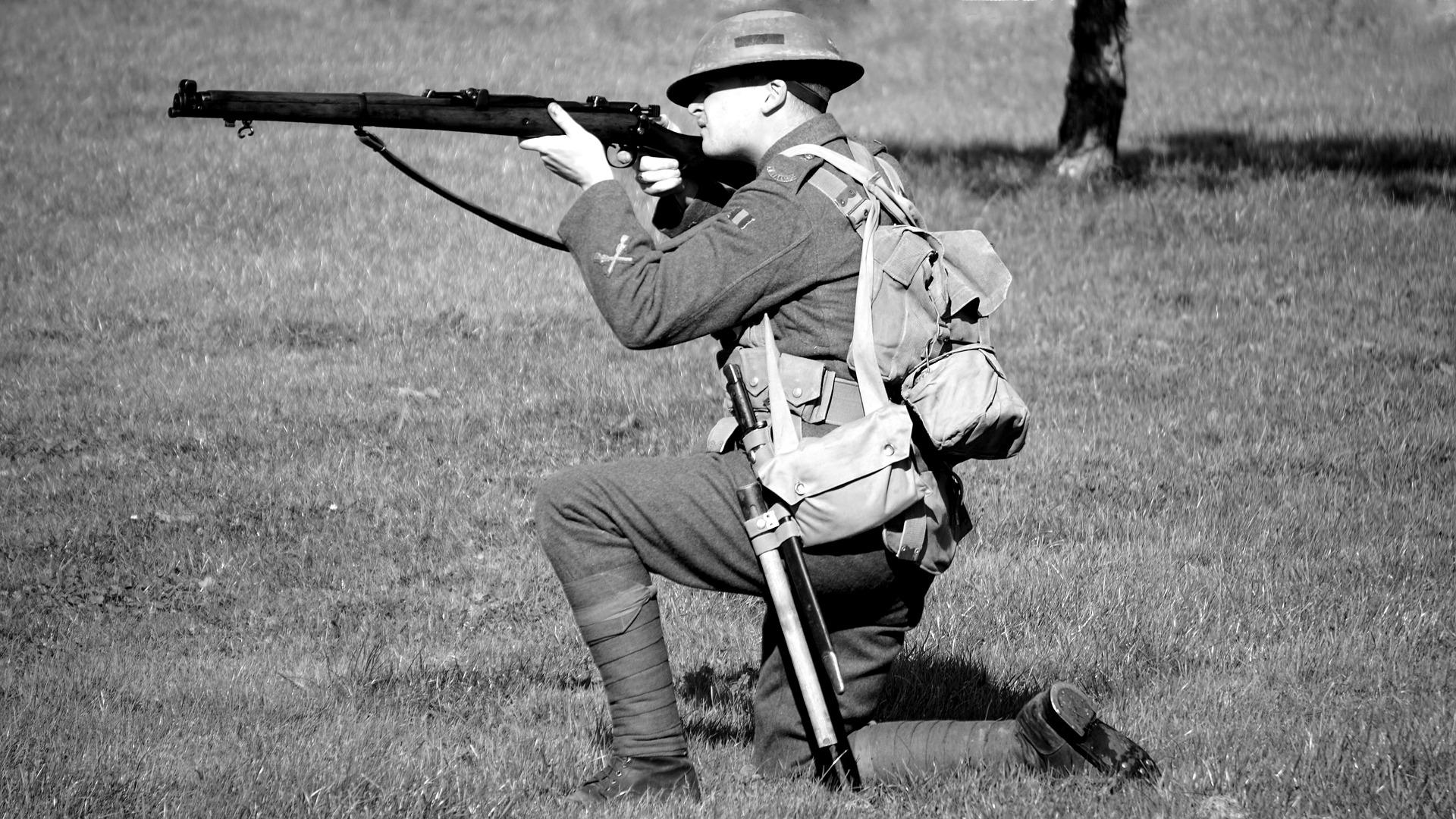 soldier-1720126_1920
