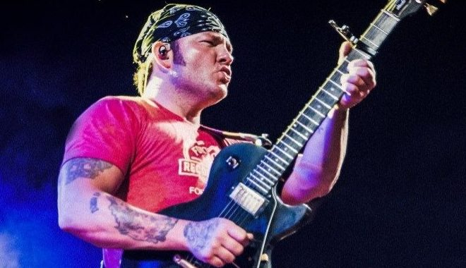 You've Got to do the 'Hill Country Boogaloo' with Stoney LaRue