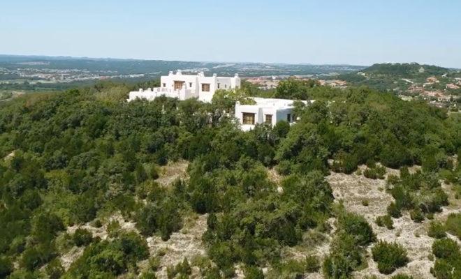 George Strait S San Antonio Mansion Is Up For Sale
