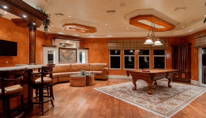She Sheds vs. Man Caves: Who Wins the Best Place of One's Own?